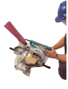 MITRE SAW: MAKITA LS0711