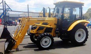 TRACTOR: VISION VM-465 65HP 4/WHEEL DRIVE 4 IN 1 BUCKET