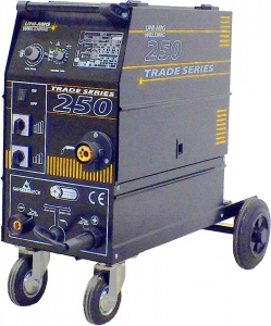 MIG WELDER: 250K TRADE SERIES 1PH